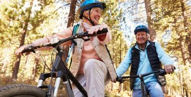 seniors-riding-bikes